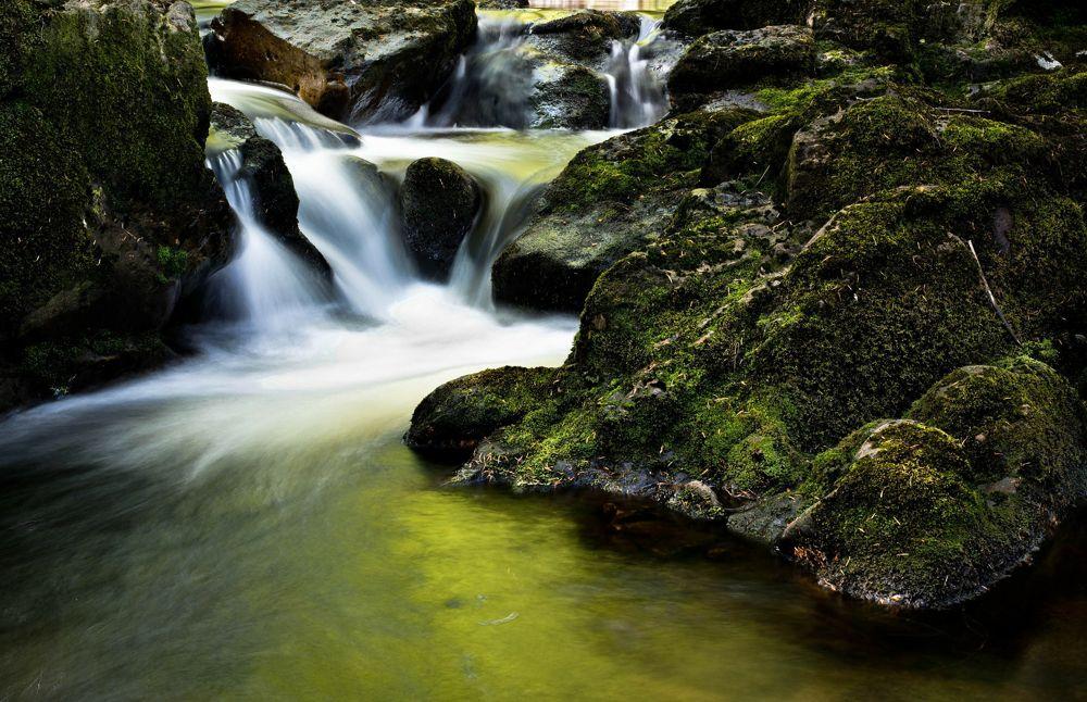 waterfall-204398_2